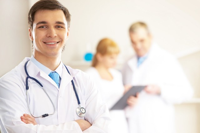 Как проявляется грыжа грудного отдела позвоночника?