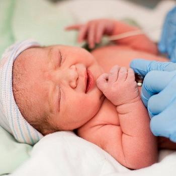 Пупочная грыжа у новорожденных: как выглядит, симтомы пупочной грыжи у грудничка (младенца)