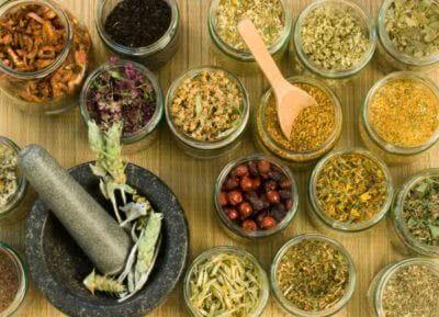 Народные методы лечения паховой грыжи у мужчин: причины, симптомы, наружные средства, травы, упражнения, лечебная диета, заговоры, противопоказания