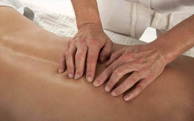Массаж при пупочной грыже: общие рекомендации, противопоказания, подготовка к массажу, виды техник, гимнастика, массаж у взрослых, отзывы